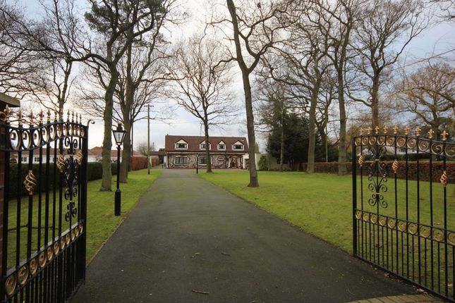 Thumbnail Detached house for sale in Dunstan Lane, Burton, Cheshire