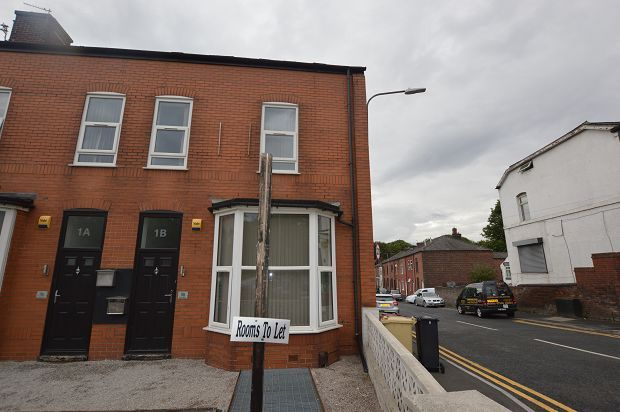 Thumbnail Shared accommodation for sale in Bolton Road, Farnworth, Bolton