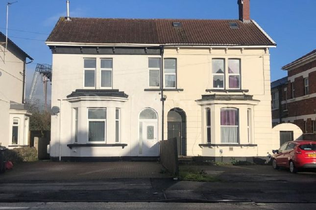 Thumbnail Studio to rent in 41 Chepstow Road, Newport, Gwent.