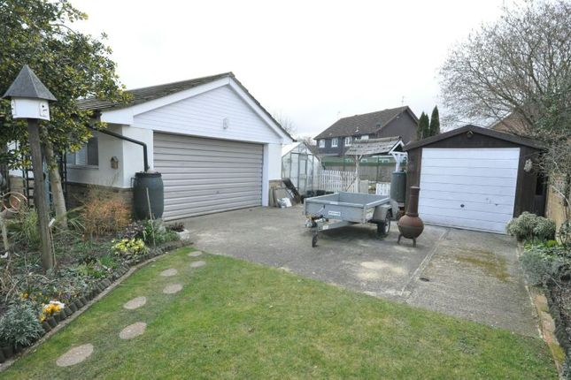 Hyde End Road Spencers Wood Reading Rg7 3 Bedroom Detached Bungalow For Sale 46860135