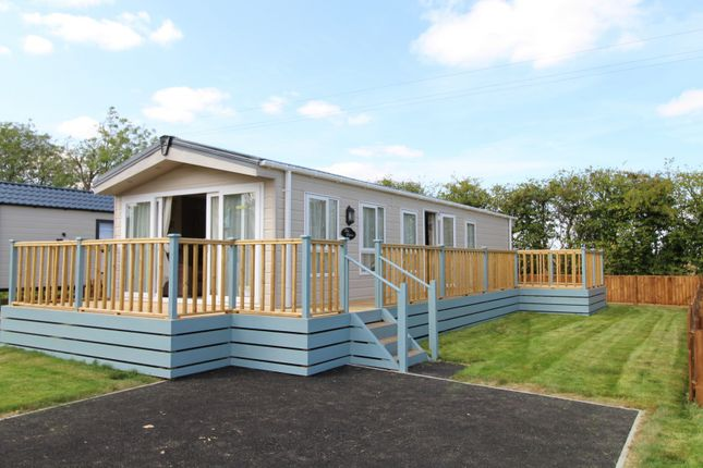 2 Bed Mobile Park Home For Sale In Spring London Road Shadingfield