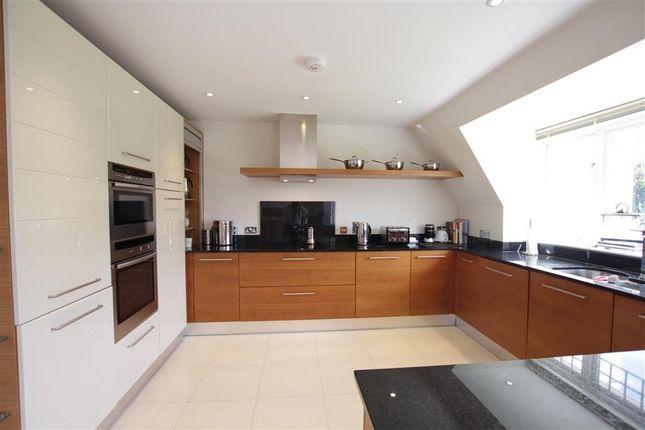 Kitchen of Tidmarsh Grange, Tidmarsh, Reading RG8