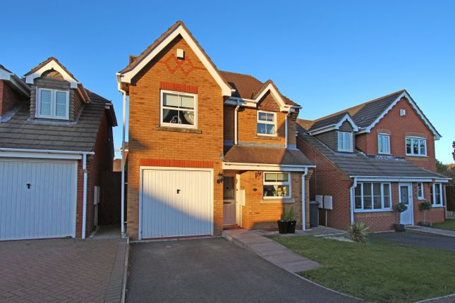 Thumbnail Detached house to rent in Kempton Drive, Dosthill, Tamworth