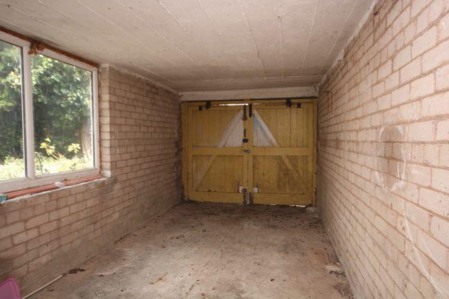 Garage of Ty Mawr Road, Deganwy LL31