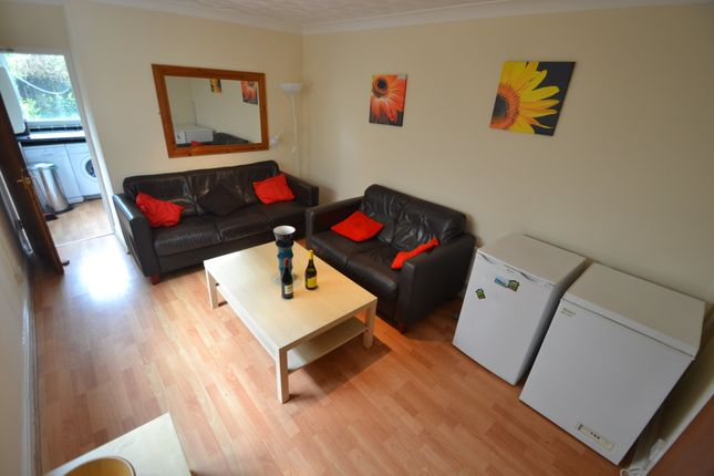 6 bed property to rent in Donald Street, Roath, Cardiff CF24