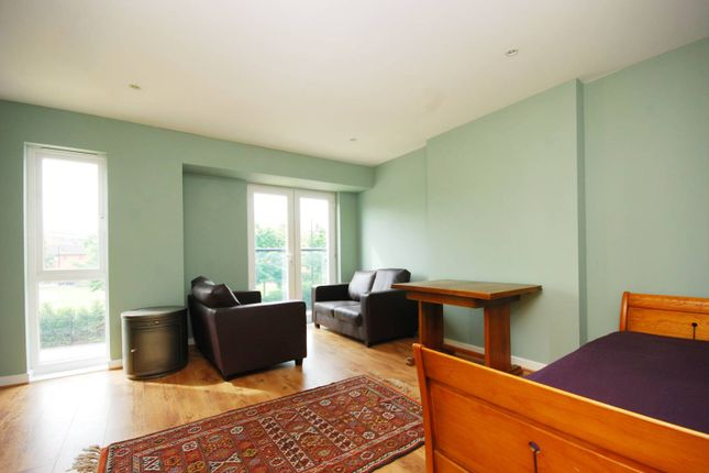Thumbnail Property to rent in Calypso Crescent, Peckham