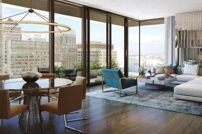 Thumbnail Flat for sale in Canary Wharf, London