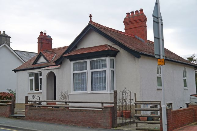 Thumbnail Flat to rent in Penybont Road, Aberystwyth
