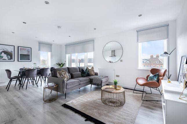 2 bed flat for sale in Cobden Walk, London SE15
