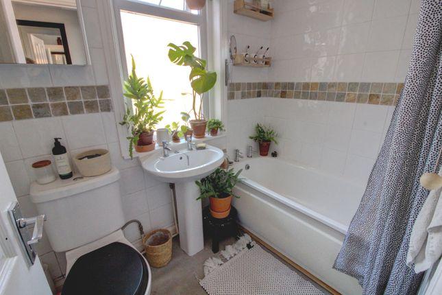 Bathroom of Bonchurch Street, Leicester LE3