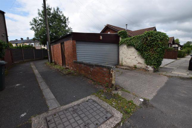 Hard Standing of Siddall Street, Heywood OL10