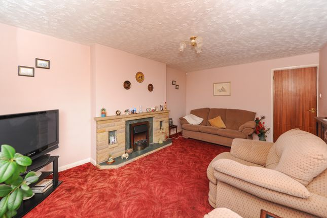 Lounge of Doveridge Close, Old Whittington, Chesterfield S41