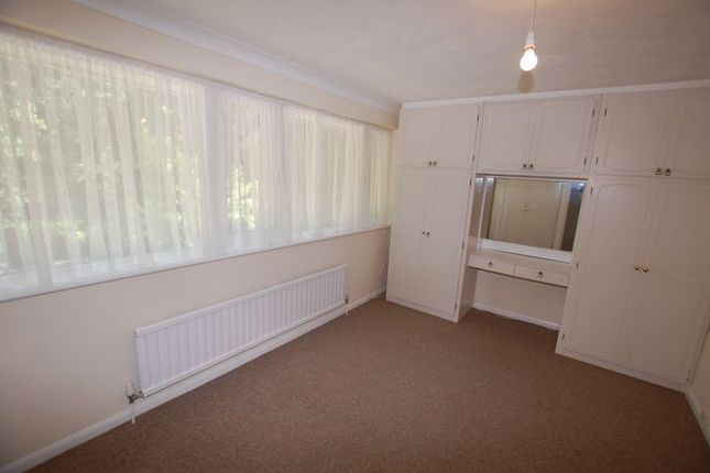 Photo 7 of Rookwood Close, Grays RM17