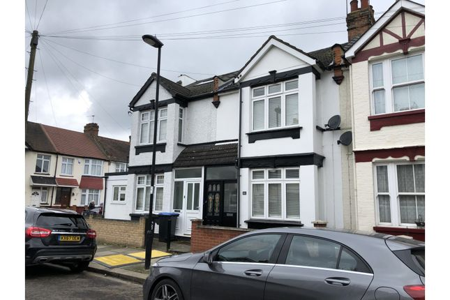 Thumbnail Terraced house for sale in Kynaston Road, Enfield