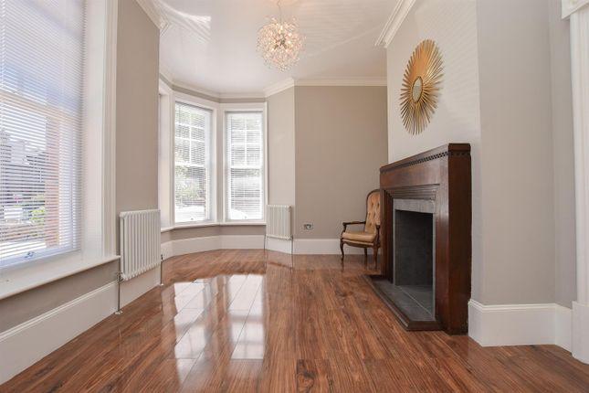 Living Room of Sedlescombe Road South, St. Leonards-On-Sea TN38