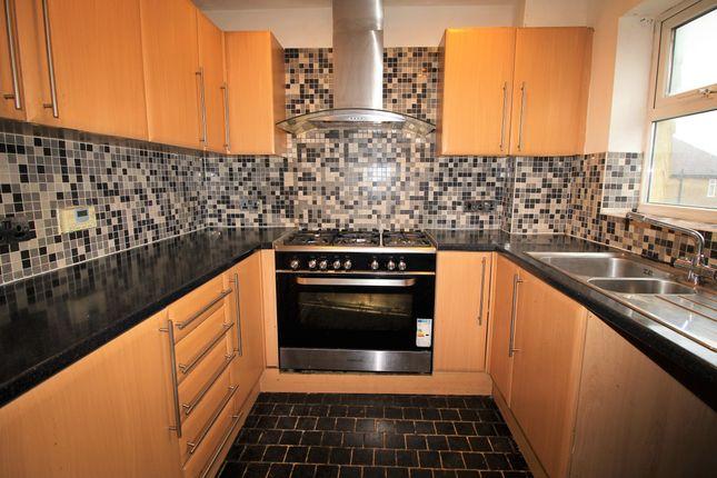 Thumbnail Town house to rent in Crossways, Aldershot
