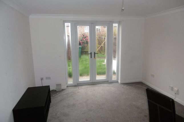2 bed property to rent in Lorraine Road, Leicester