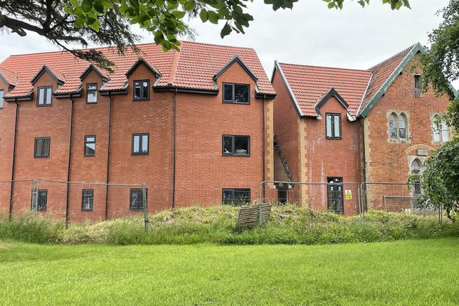 1 bed flat for sale in Clarkes Close, Chard TA20