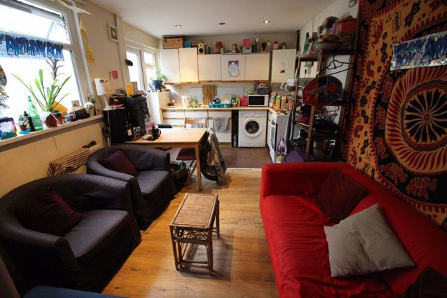 4 bed terraced house to rent in Strathnairn Street, Roath, Cardiff CF24