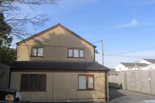 Thumbnail Flat to rent in Glebe Road, Loughor, Swansea