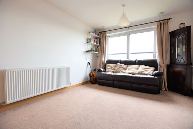 Thumbnail Flat for sale in 91 Manor Road, Wallington