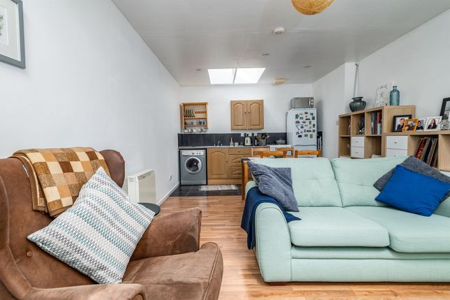 Thumbnail Flat for sale in High Street West, Uppingham, Oakham
