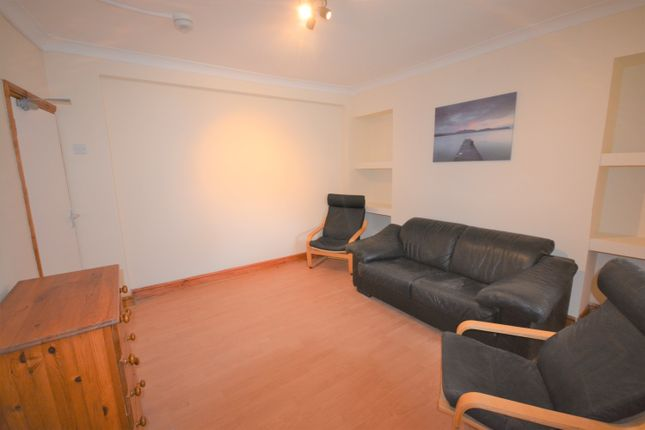 Thumbnail Property to rent in Rodney Street, Sandfields, Swansea