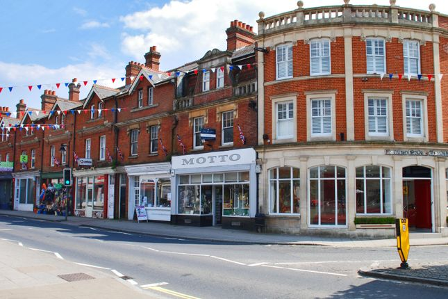 Thumbnail Flat to rent in Lyndhurst, Hampshire