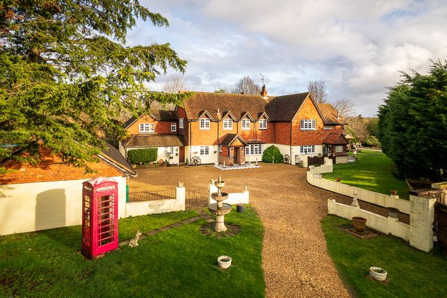 Thumbnail Country house for sale in Sandford Lane, Sandford, Reading