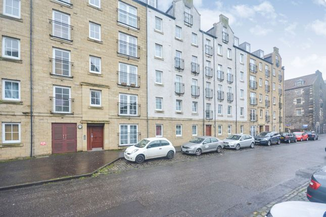 Front View of Giles Street, Edinburgh EH6