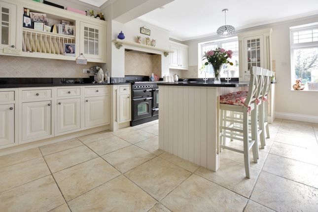Thumbnail Terraced house to rent in Eltham Hill, Eltham