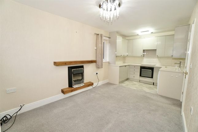 Thumbnail Flat for sale in De Mowbray Court Back, Sowerby, Thirsk