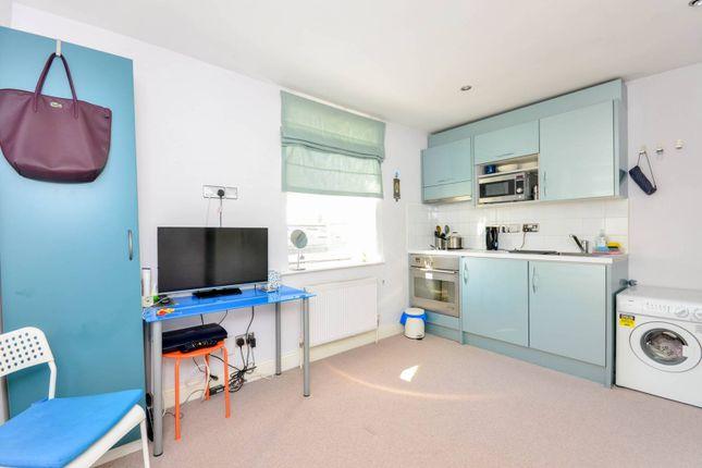 Studio to rent in Queens Gate, South Kensington