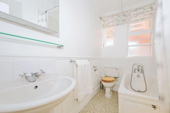 Bathroom of Tavistock Street, Covent Garden WC2E