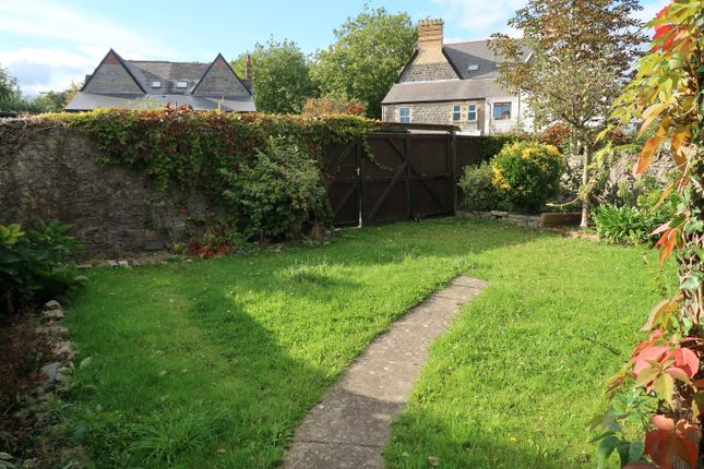 Thumbnail Flat to rent in Westbourne Road, Penarth