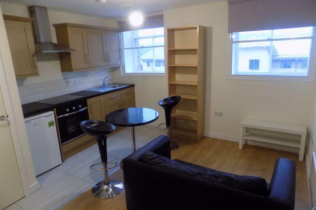 Lounge/Kit of Cheapside, Bradford BD1