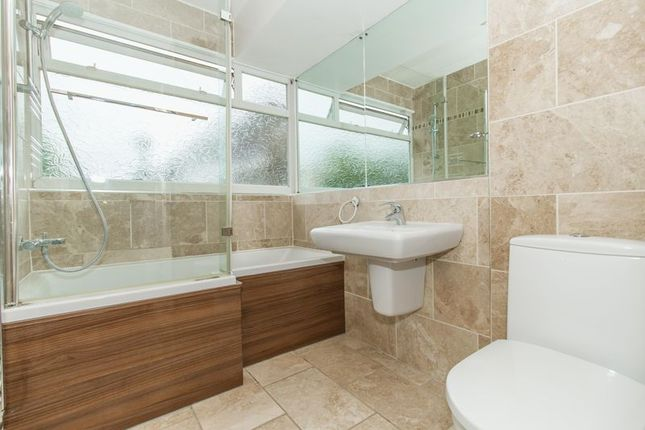 Thumbnail Flat for sale in St. Winifreds Close, Chigwell