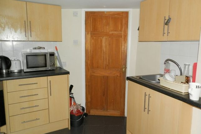 Kitchen Area of Queens Terrace, Cardigan SA43