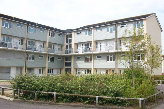 Thumbnail Flat to rent in Fort Cumberland Road, Southsea