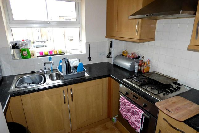 Thumbnail Flat for sale in Dunster Close, Rugby