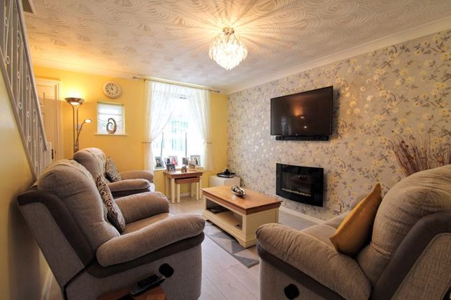 Lounge of Carnot Close, Shenley Lodge, Milton Keynes MK5