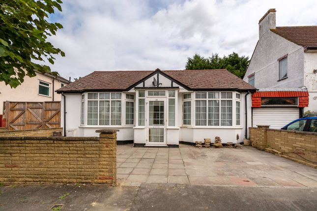 Thumbnail Bungalow to rent in Rural Way, Tooting