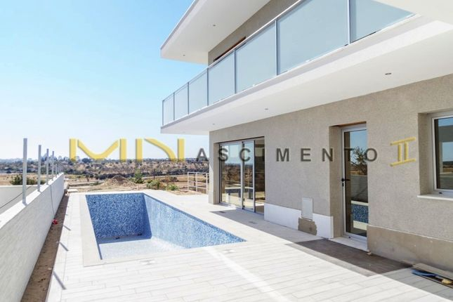 Thumbnail Detached house for sale in Close To Beach And Golf Course, Alcantarilha E Pêra, Silves, Central Algarve, Portugal