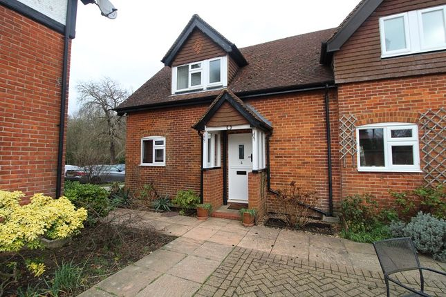 2 bed end terrace house to rent in Horsehill, Norwood Hill, Horley, Surrey. RH6