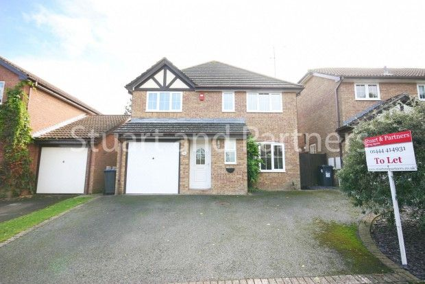 Thumbnail Detached house to rent in Marlow Drive, Haywards Heath