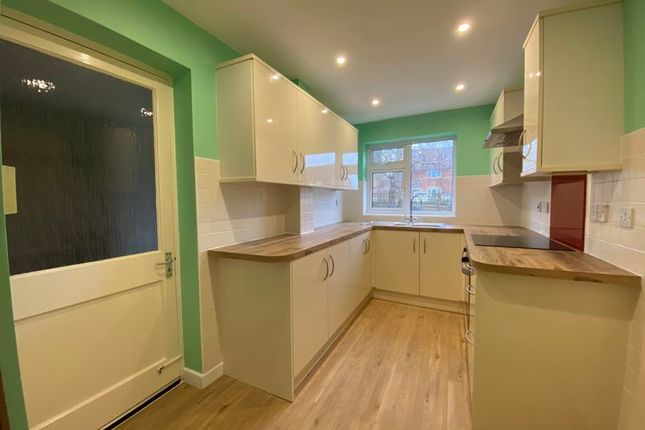 Thumbnail Link-detached house for sale in Wyvern Avenue, Calne