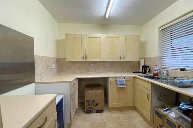 Kitchen of Heath Court, Baughurst, Tadley RG26
