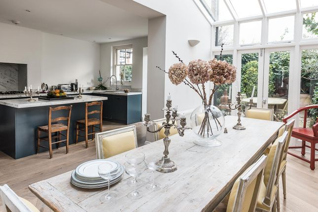 Thumbnail Town house to rent in Clapham Common North Side, London