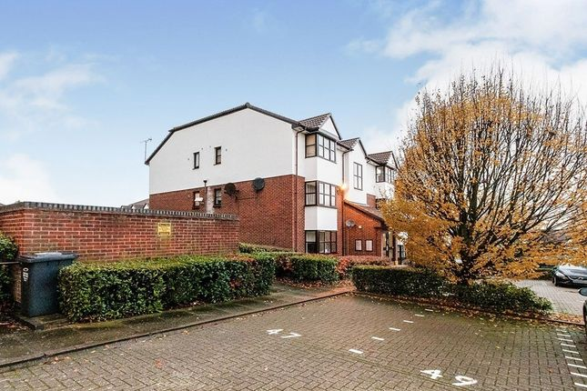 Thumbnail Flat to rent in Chalice Way, Greenhithe