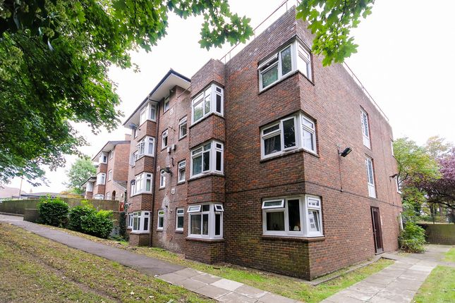 Thumbnail Flat to rent in St. Pauls Close, Fairfield Road, Charlton
